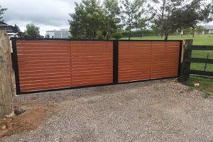 newcastle slat fence